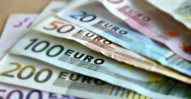bank-note-209104_1280