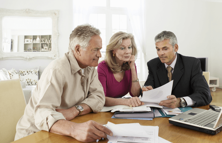 how much does a financial planner make