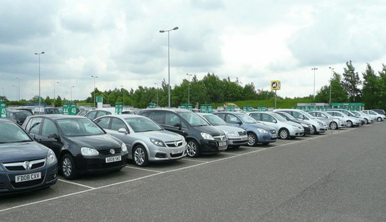 rent a car with cash-min